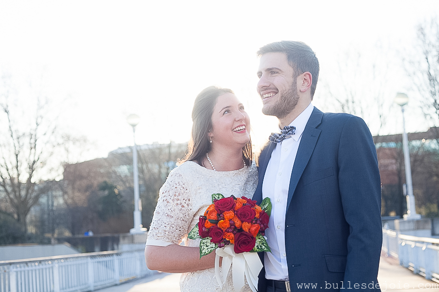 Mariage civil | Séance photo romantique et fun | Bulles de Joie Photographie, photographe de gens joyeux àParis
