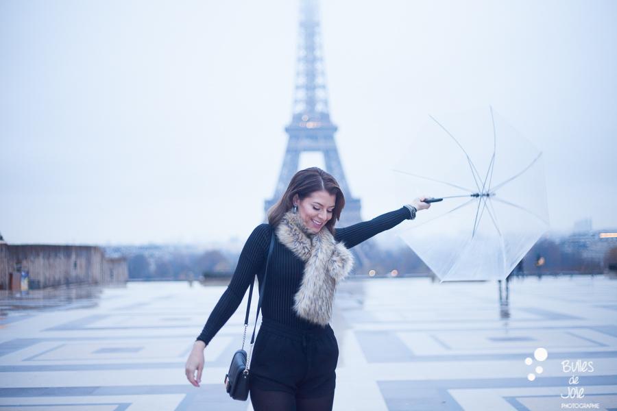 Portrait solo à Paris, Trocadéro | Photo de Bulles de Joie, en voir plus : http://www.bullesdejoie.net/2016/12/19/photographe-portrait-solo-paris/?lang=fr