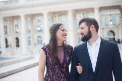 Photo that illustrates the blog post: Couple Photoshoot in Paris, sunrise or sunset?