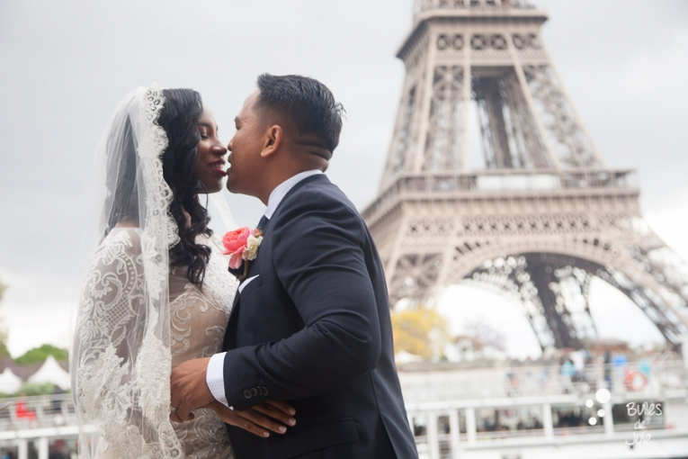 """"""" You can kiss the bride """" - Elopement in Paris Eiffel Tower"""
