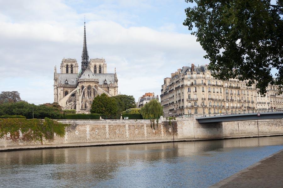 the top five places for a photo shoot in paris bulles de joie