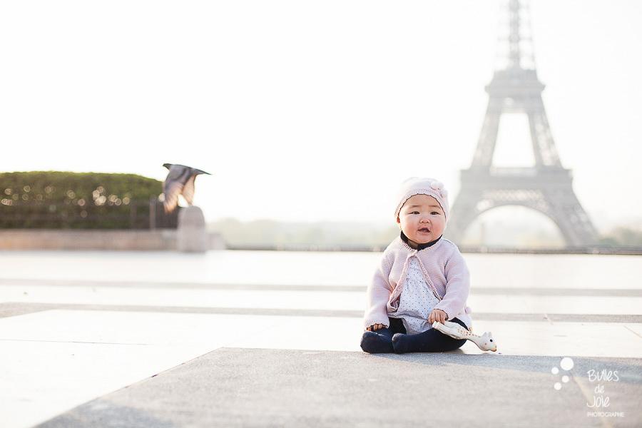 Shooting photo bébé Paris - Tour Eiffel