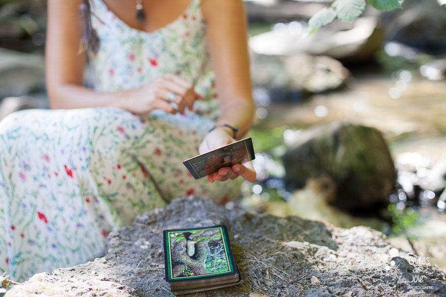 Séance photo pour professionnelle du bien-être - Tirage de carte