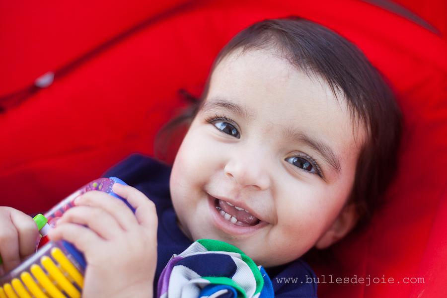 Photographer in Paris | Photo of a smiling little girl | Bulles de Joie