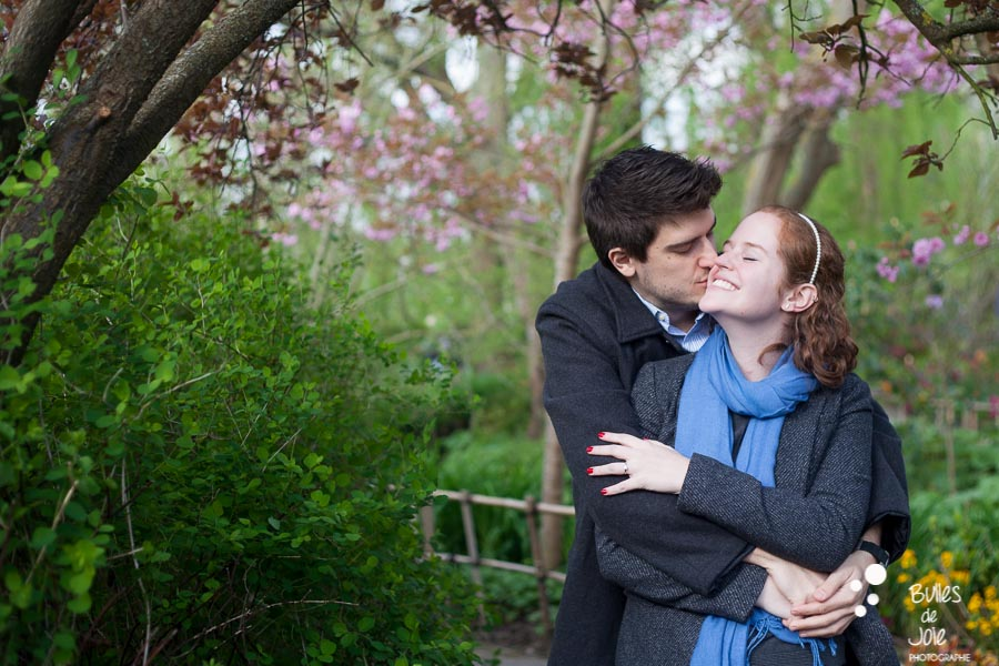 Proposal in Monet Garden, Giverny. Photo illustrating 3 tips to feel comfortable in front of the camera