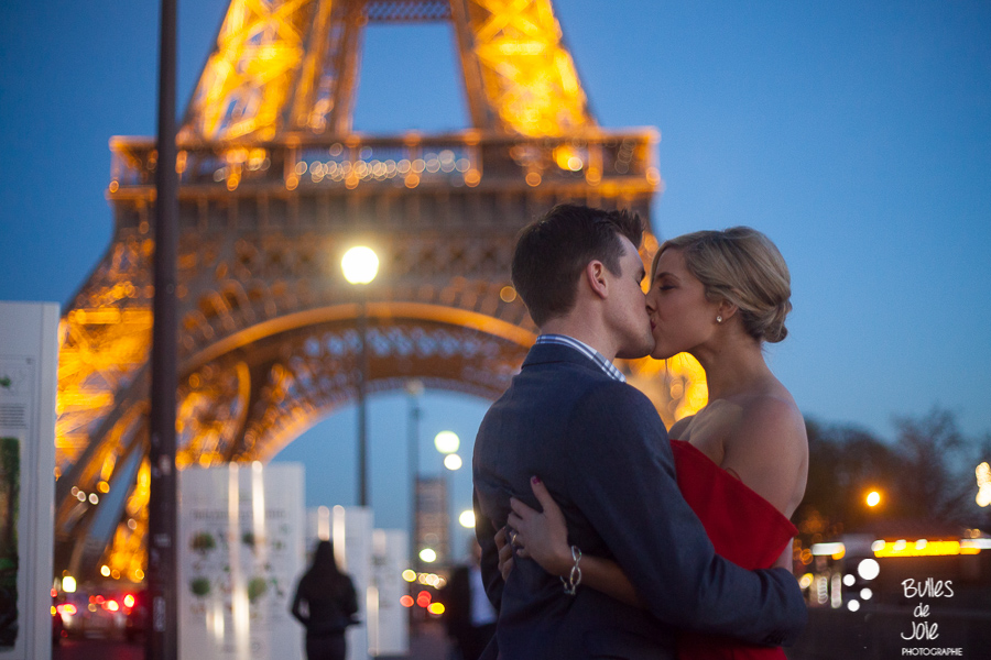 Couple kissing at the Eiffel Tower