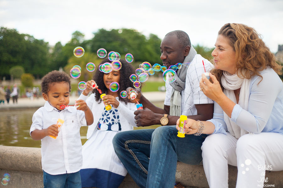 Bulles de Joie | Family photoshoot in Paris