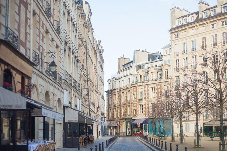 Paris proposal spots: place Dauphine   Bulles de Joie