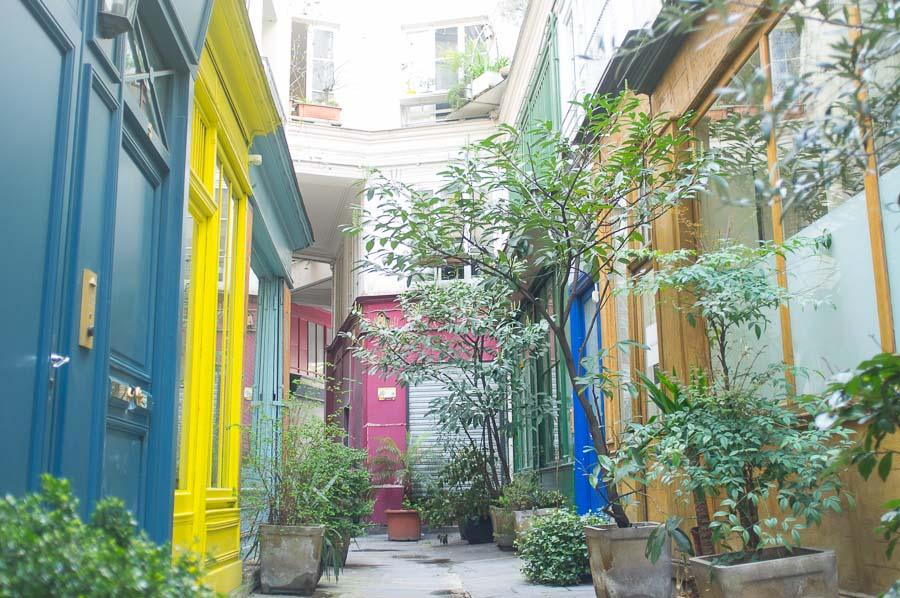 Elopement wedding photographs paris | Parisian colouful passage