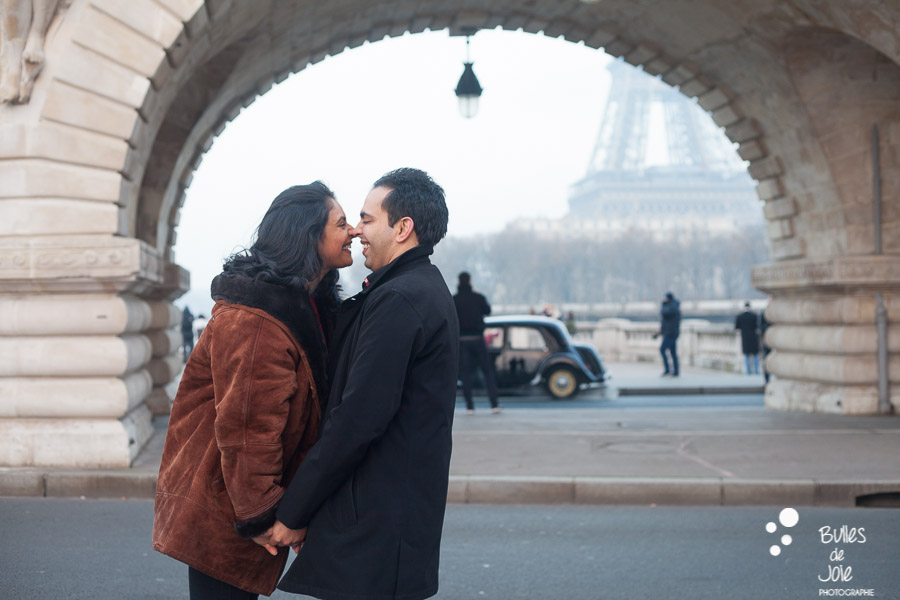 Romantic surprise proposal Eiffel Tower at Bir Hakeim | By Bulles de Joie, engagement photographer in Paris | See more at: https://www.bullesdejoie.net/2017/01/09/surprise-proposal-bir-hakeim-paris-eiffel-tower/
