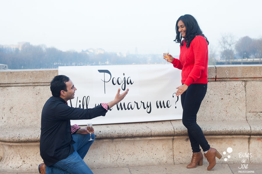 Popping the question | By Bulles de Joie, paris surprise propoal photographer | See more at