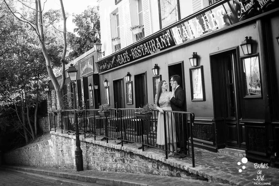Private photo shoot Paris captured at Montmartre by Bulles de Joie, professional paris photographer. More photos: