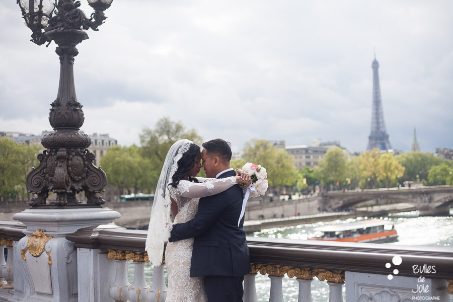 Elopement in Paris, Alexandre 3 bridge. More photos: