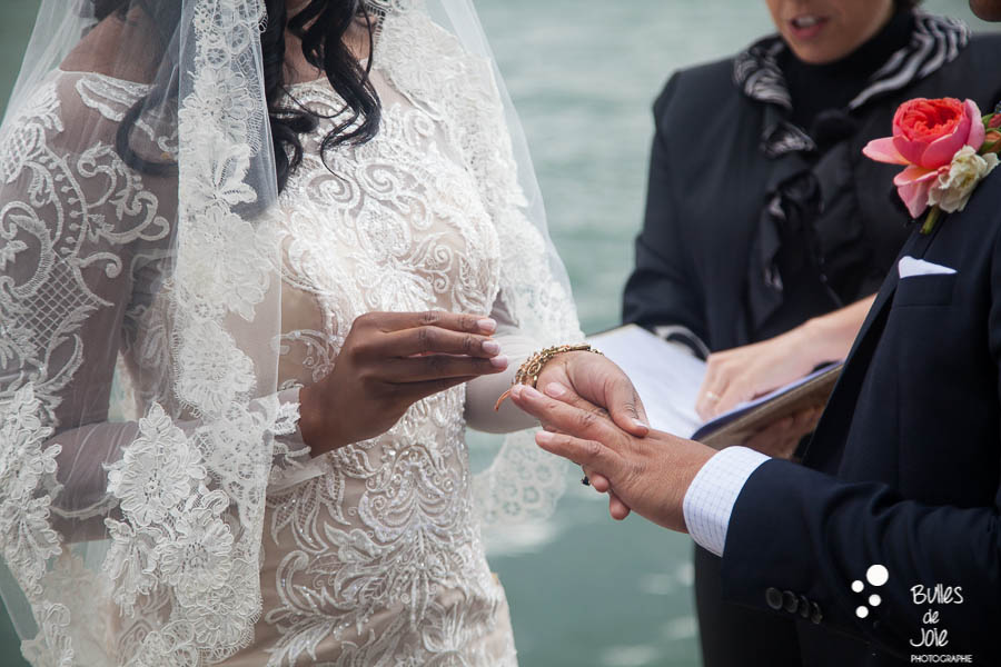 Exchange of rings - Elopement in Paris