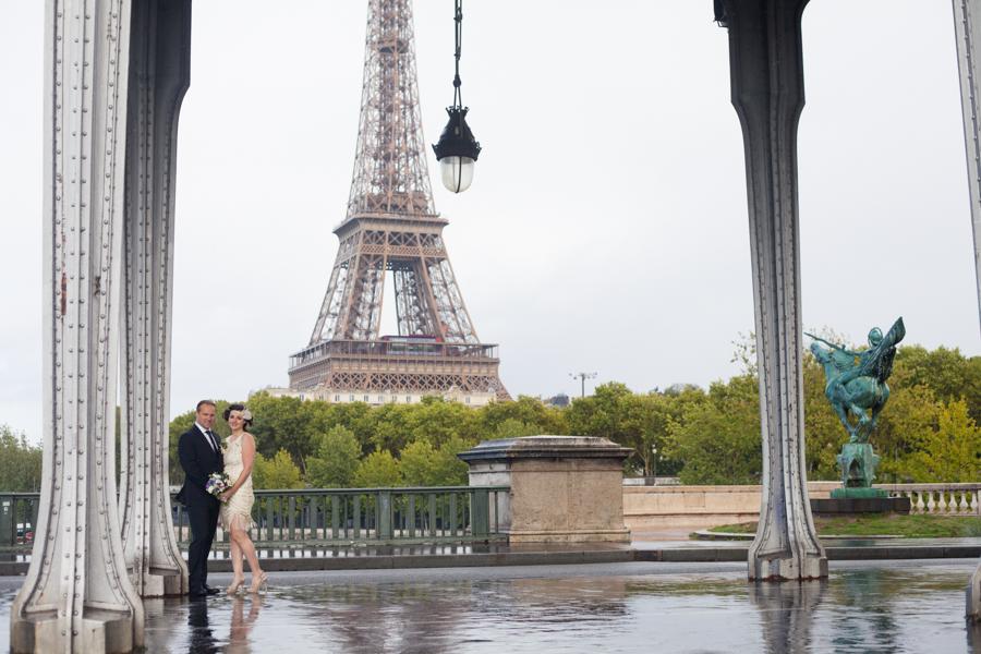 Eloping in Paris - Intimate wedding portfolio of the parision photographer: Bulles de Joie
