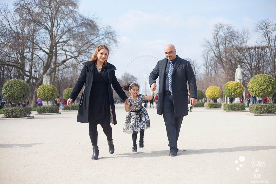 Paris family photoshoot at the Tuileries Garden. More photos: