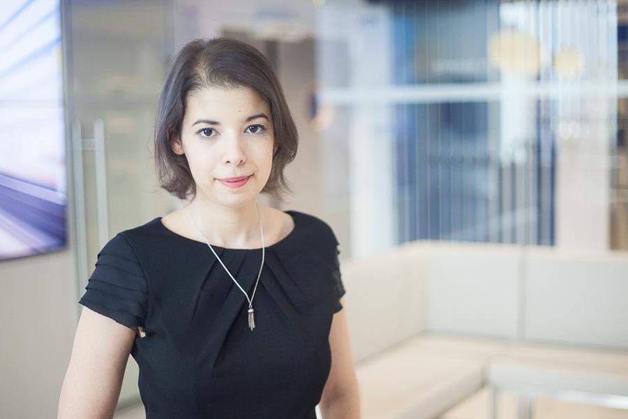 Portrait professionnel d'une femme manager