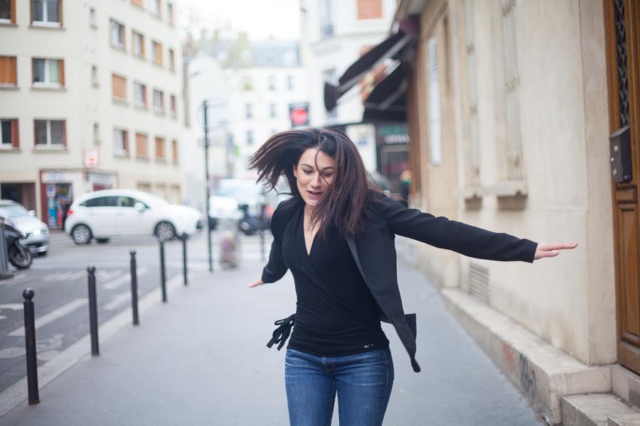 Séance seule dans les rues de Paris
