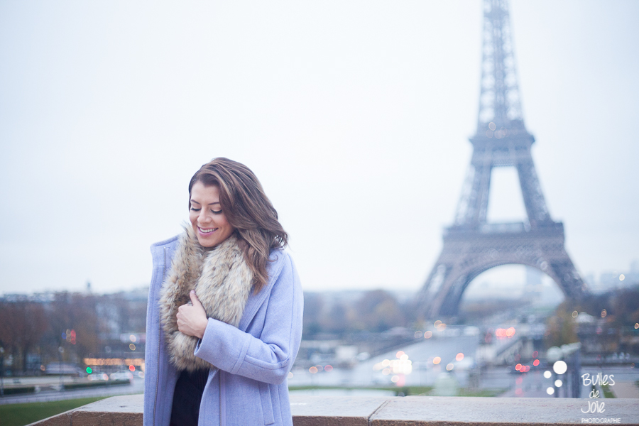 Winter photoshoot in front of the Eiffel Tower, Paris, France. Captured by the professional photographer : Bulles de Joie