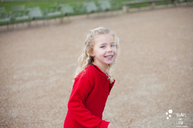 Paris Family photographer | family photoshoot in Luxembourg gardens by Bulles de Joie