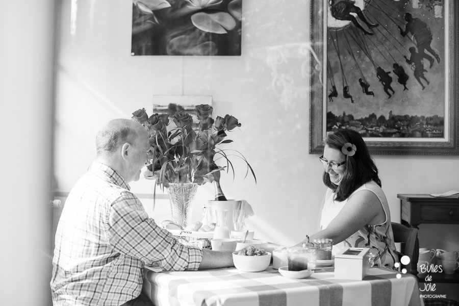 Proposal & engagement photo session in Giverny, breakfast after the proposal