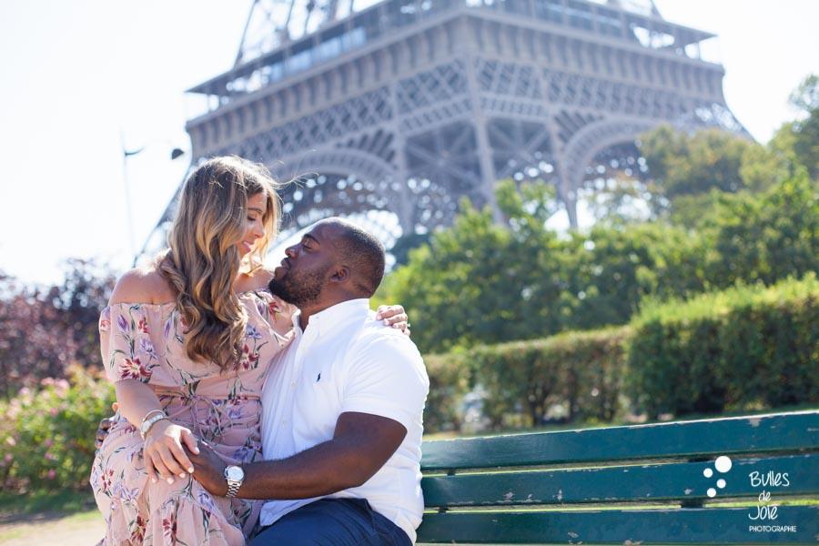 Surprise proposal Bir Hakeim, Eiffel Tower by the Paris Engagement Photographer, Bulles de Joie