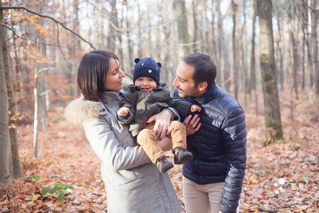 What to wear for a Paris family photoshoot in fall season?