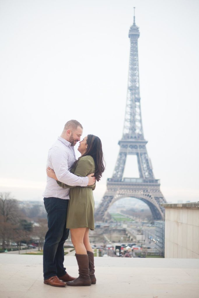 Couple photoshoot in Tour Eiffel, Paris