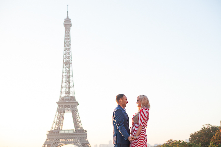 Engagement photo session at the Eiffel Tower, by Bulles de Joie, Paris Engagement Photographer