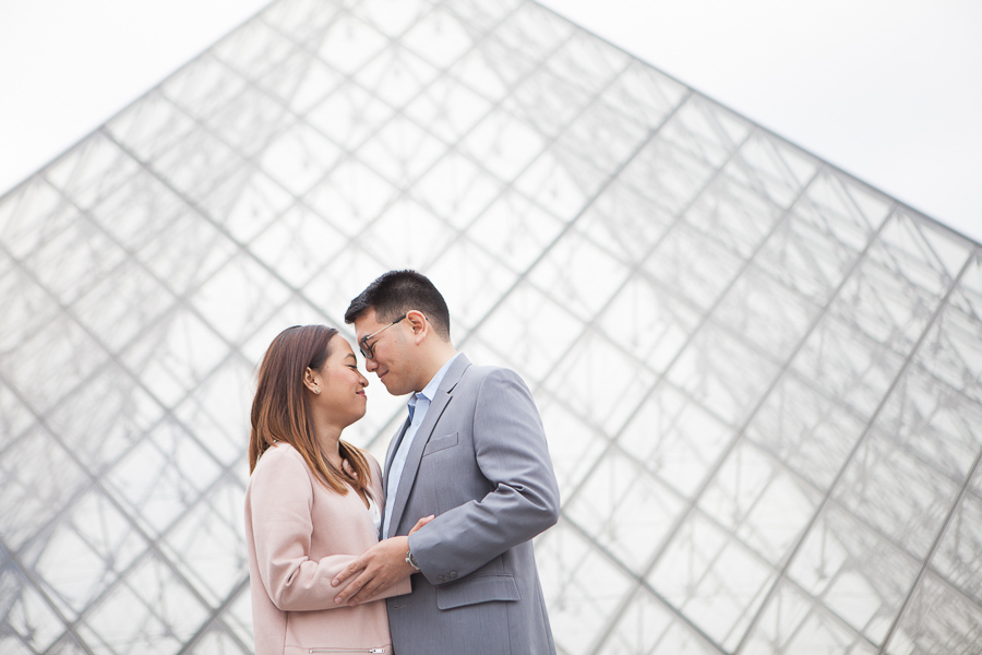 Engagement photo session at the Louvre Pyramid, by Bulles de Joie, Paris Engagement Photographer