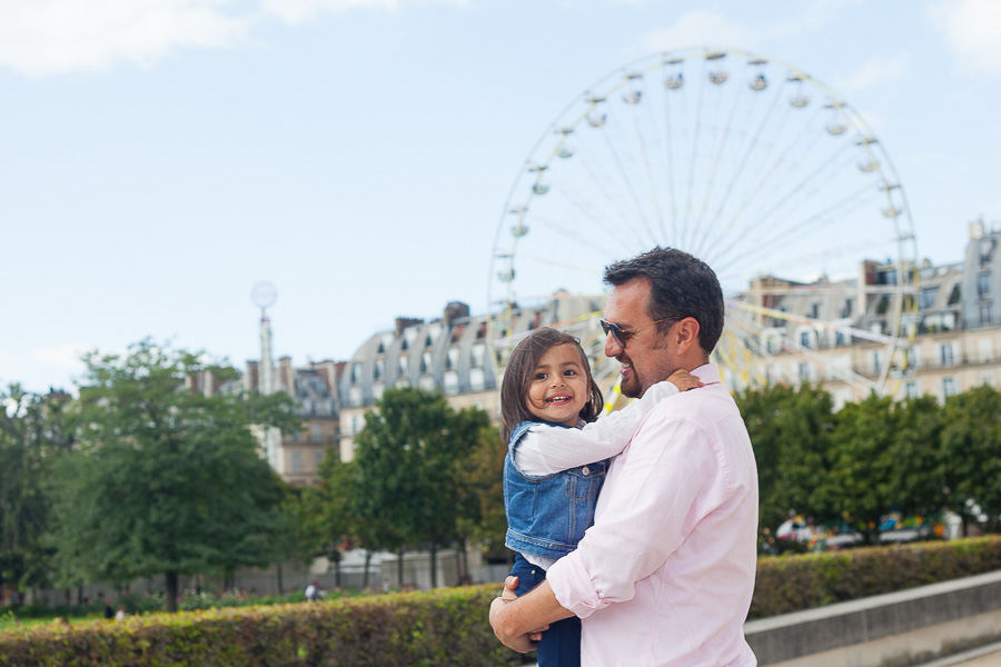 Dad and his daughter at the Tuileries garden, Paris