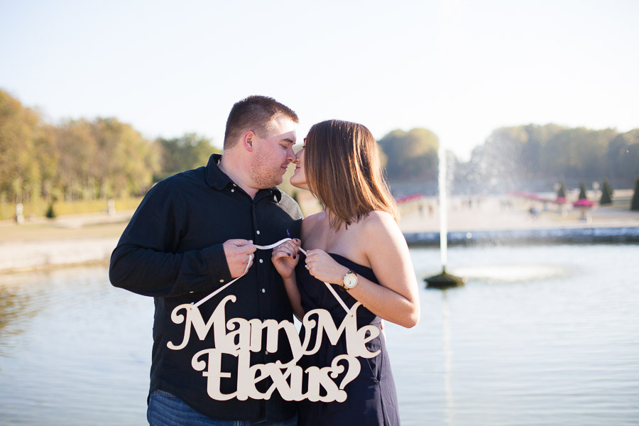 Proposal & engagement photoshoot captured in Vaux le Vicomte Castle - by Bulles de Joie Photography