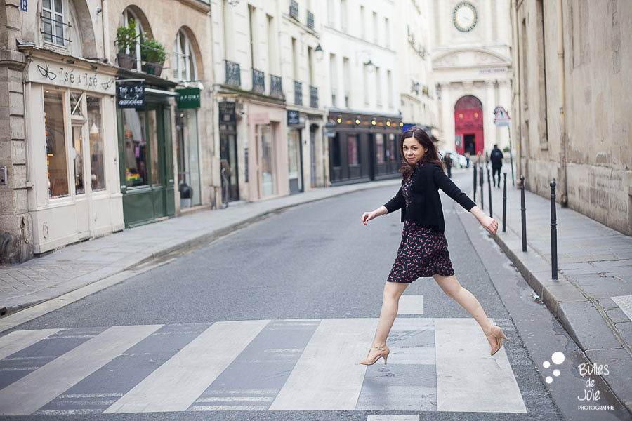 Solo traveler photoshoot in Le Marais, Paris