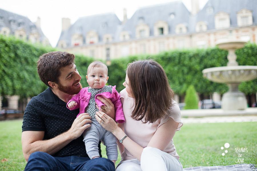 Paris family photoshoot off the beaten path - Marais district