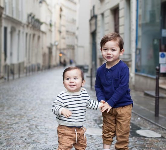 Family portraits of two brothers in Paris - Paris Family photographer (France)