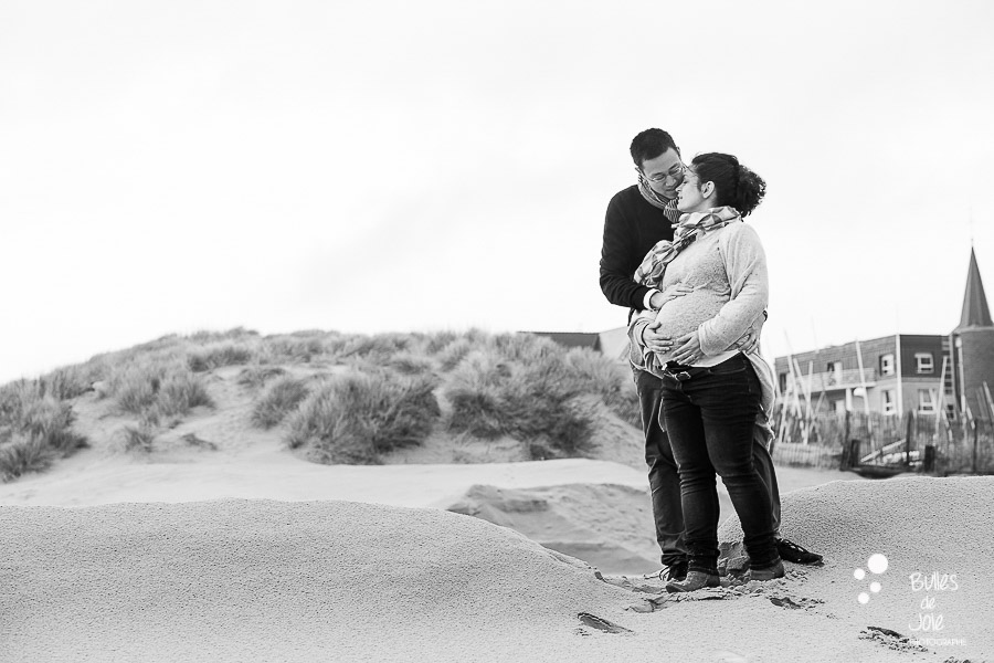 Seance photo grossesse dans les dunes de Berck-Plage