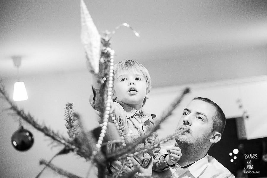 Séance famille Noël - création du sapin