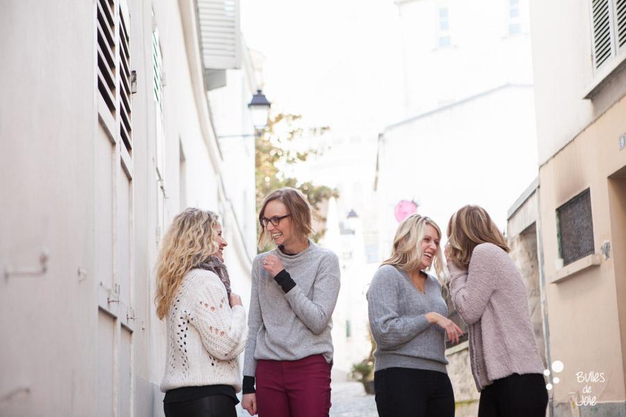 Shooting photo entre amies en extérieur, à Montmartre - Paris