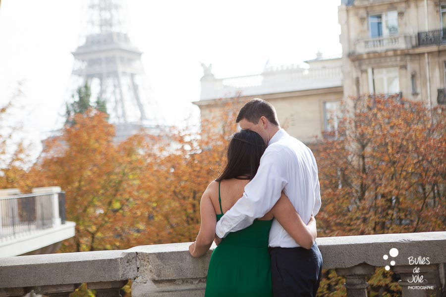 Paris love session, fall season - in front of the the Eiffel Tower