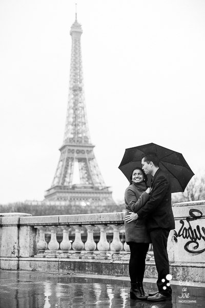 Rainy love photoshoot in Paris, under the umbrella