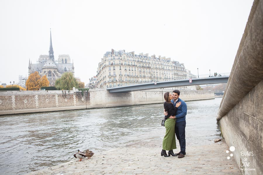 Photos de couple Paris à Notre-Dame