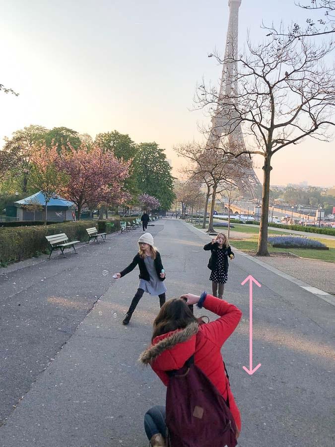 Covid 19 - Précautions de distanciation sociale pour une séance photo réalisée après déconfinement
