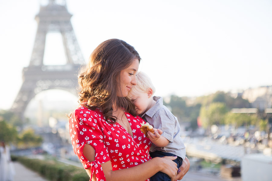 Mum and her boy - Paris family candid photoshoot, by Bulles de Joie Photography