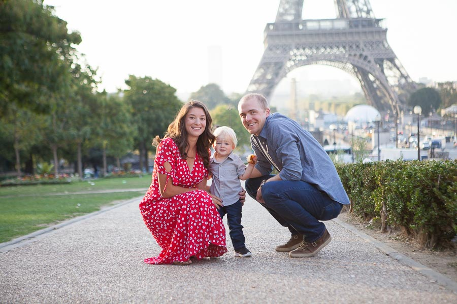 Baby gender reveal during a family photoshoot in Paris