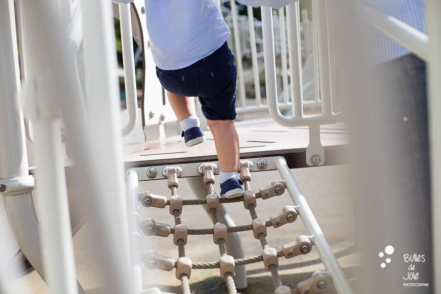Séance photo enfant qui marche