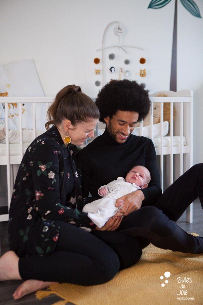 Séance photo nouveau-né à domicile St Germain en Laye - Bulles de Joie Photographe Famille