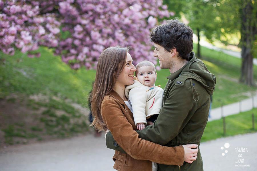 Seance photo famille Printemps Paris - Parc des Buttes Chaumont