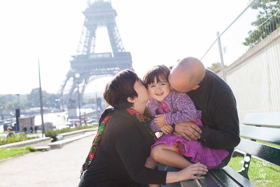 Casual family portraits Eiffel Tower in Paris, France