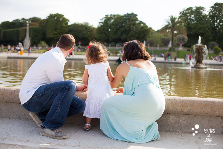 Candid family pictures Luxembourg Gardens