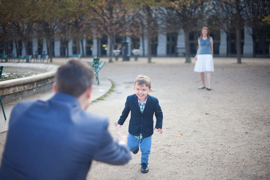 Candid family shots from Bulles de Joie, Photographer of Happy People in Paris